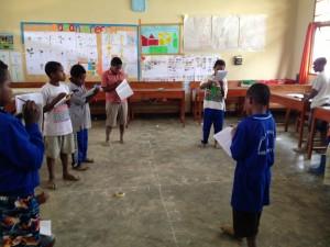 belajar-sistem-koordinat-kelas-siswa-papua-sekolah_unggulan-sekolah_anak_indonesia-sai-