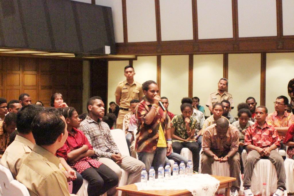 bertemu ahok+sai+sekolah anak indonesia+sekolah papua+papua+ahok