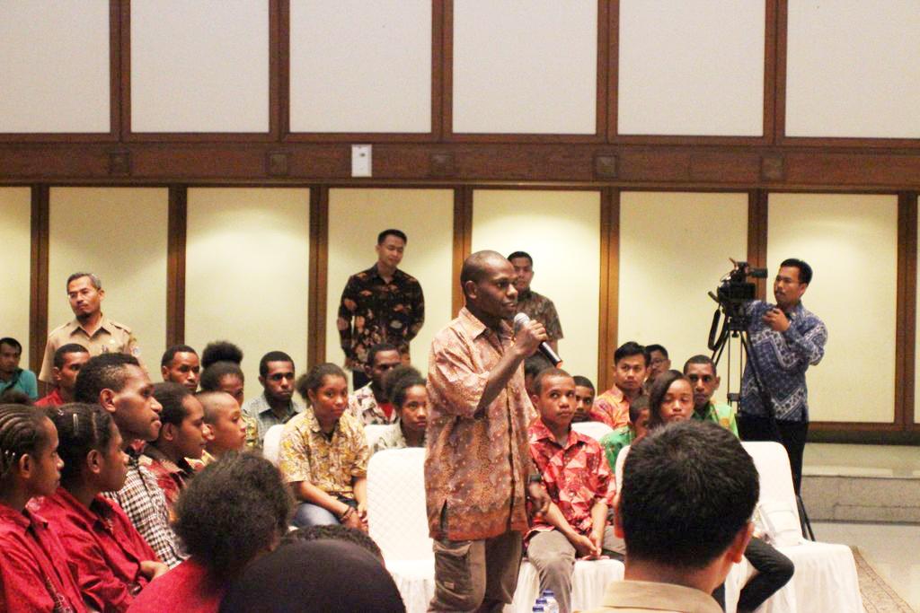 bertemu ahok+sai+sekolah anak indonesia+sekolah papua+papua+ahok+study wisata+berani bertanya