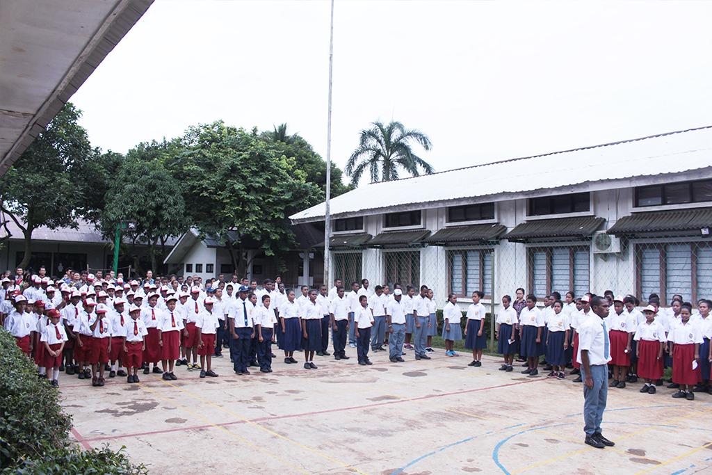 lomba tepung_kekompakan_ sai_tujuhbelasan_sekolahpapua_sekolahanakindonesia_papuahebat_saiedu_upacarabendera