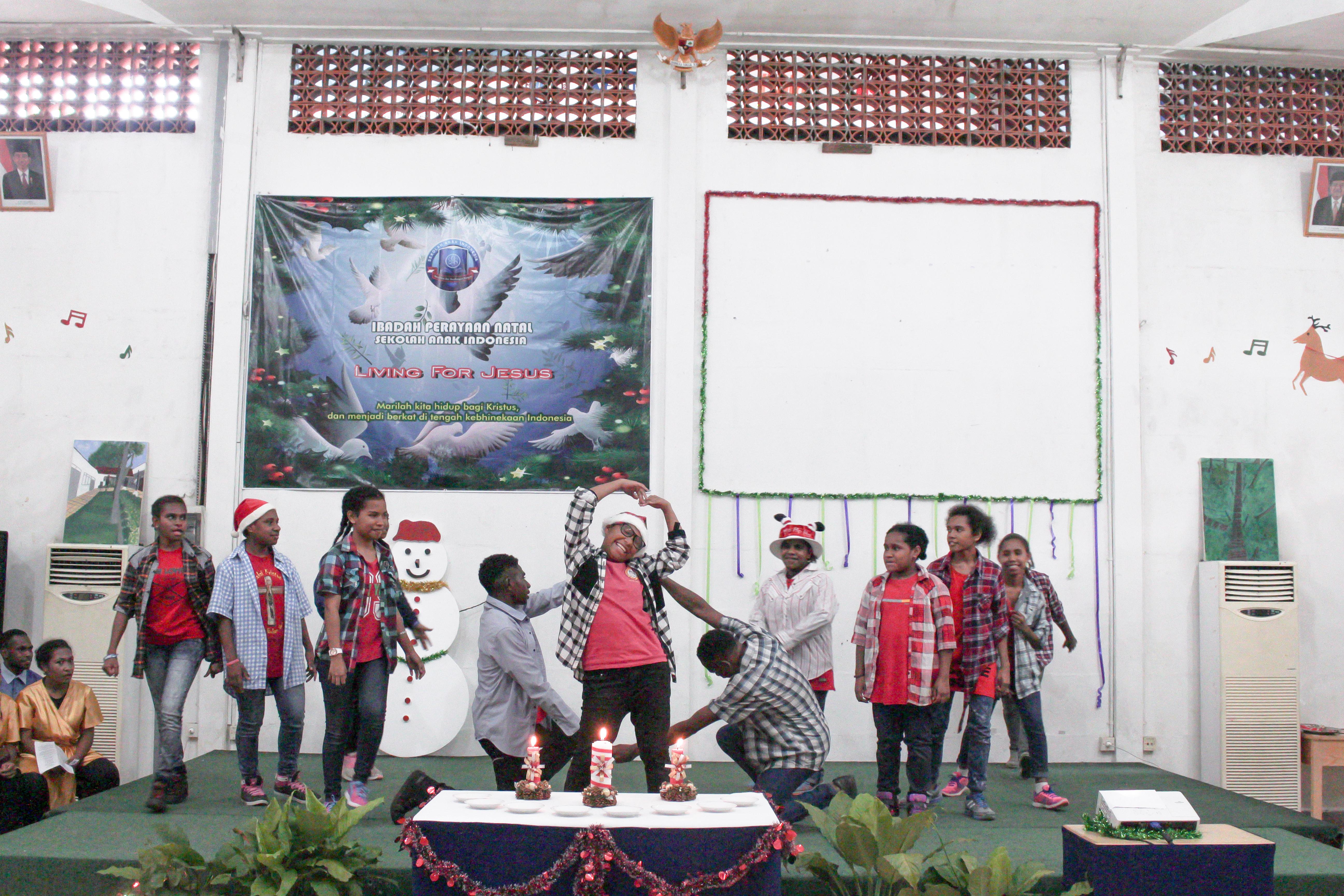 Sekolah anak inodoneia-Natal-sekolah papua-natal 2016-sekolah anak papua