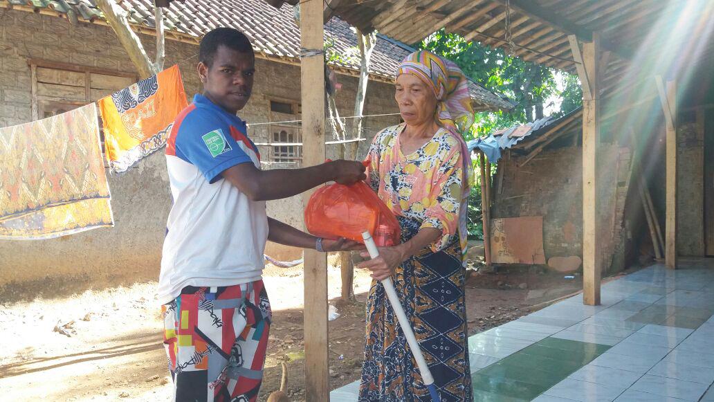 papua berbagi-anak papua berbagi-sekolah anak indonesia berbagi