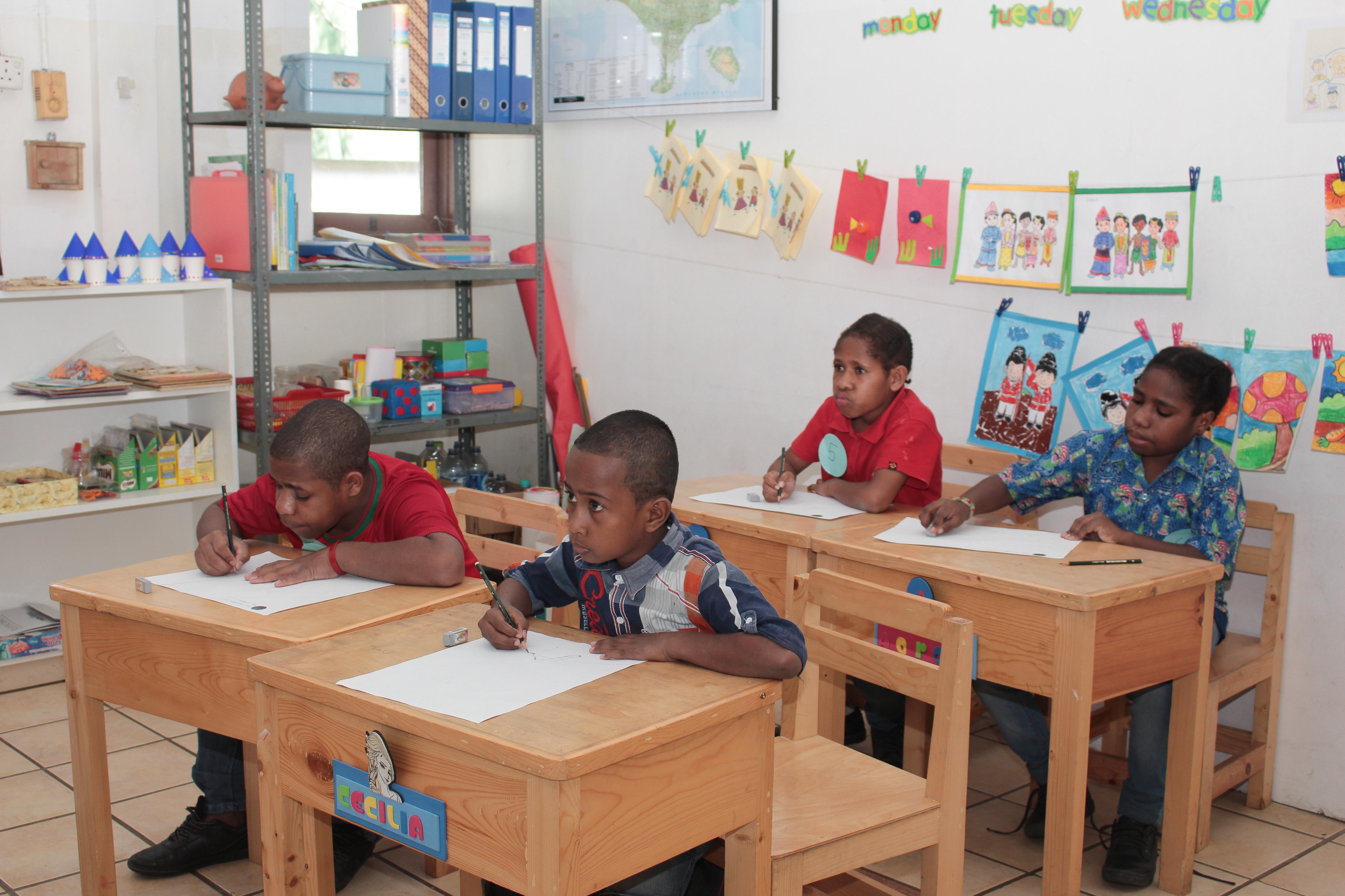 sekolah anak indoensia-sekolah Papua-lomba mewarnai-lomba menggambar