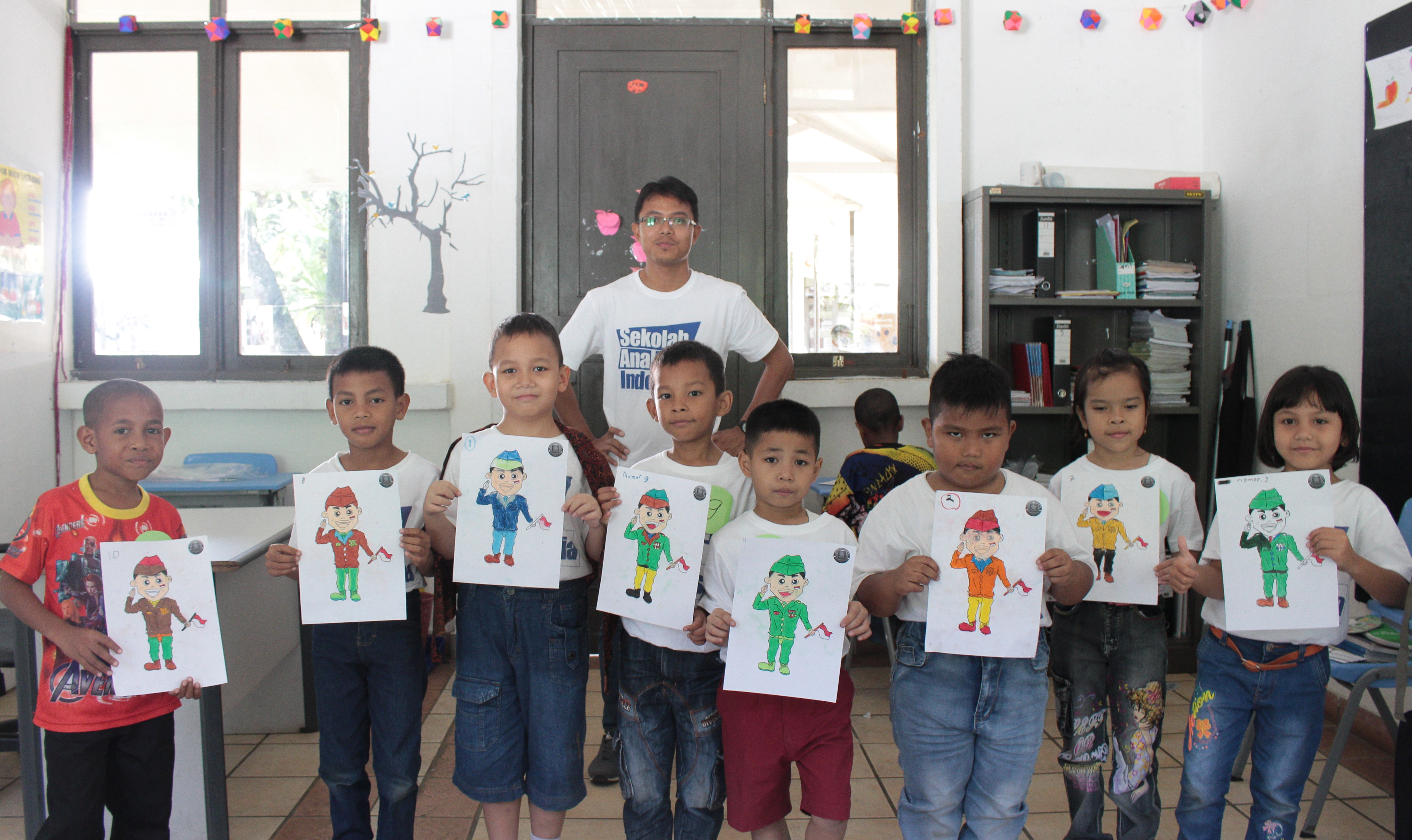 sekolah anak indoensia-sekolah Papua-lomba mewarnai-lomba menggambar_ sekolah papua di sentul-sekolah anak papua