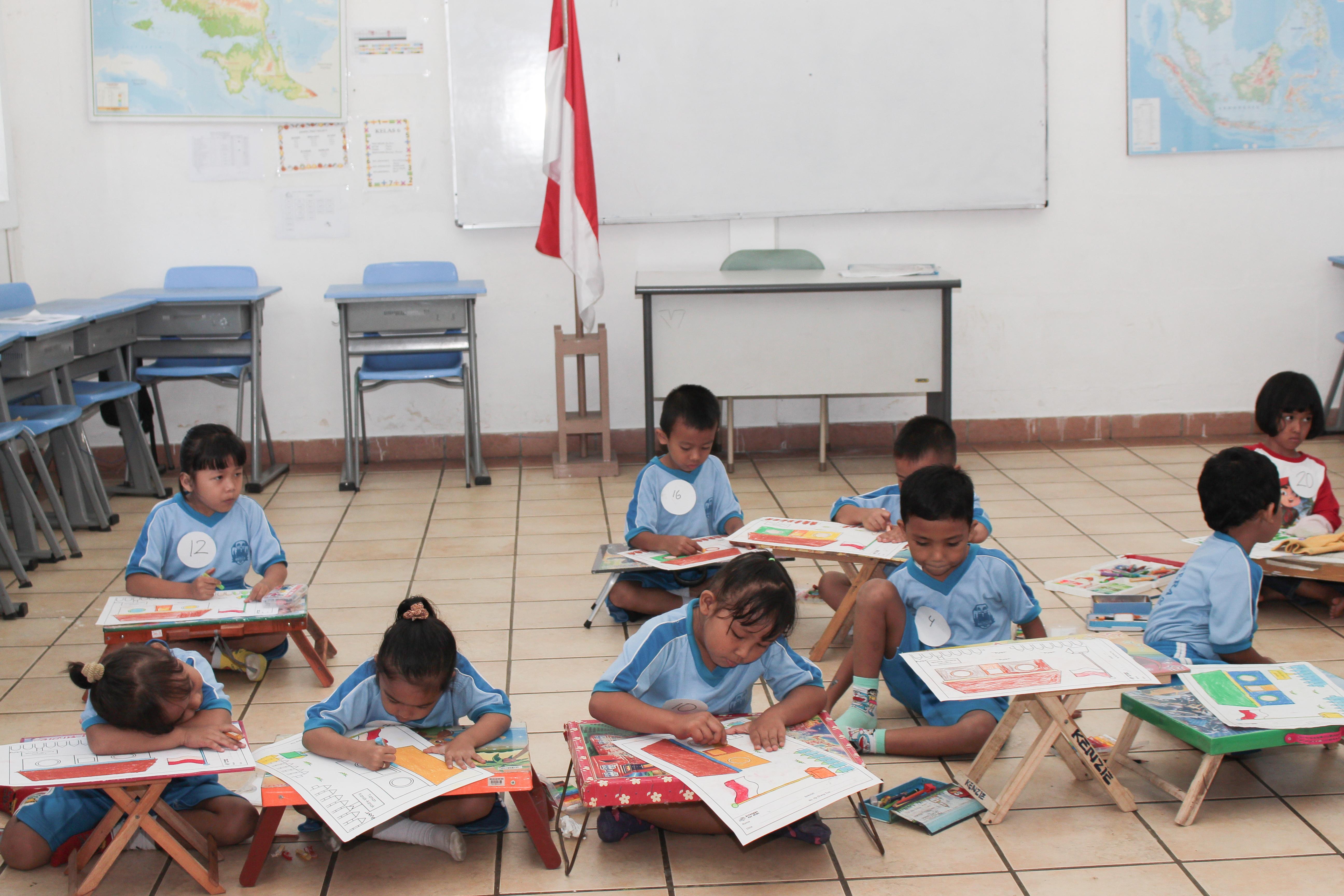 sekolah anak indoensia-sekolah Papua-lomba mewarnai-lomba menggambar_ sekolah papua di sentul