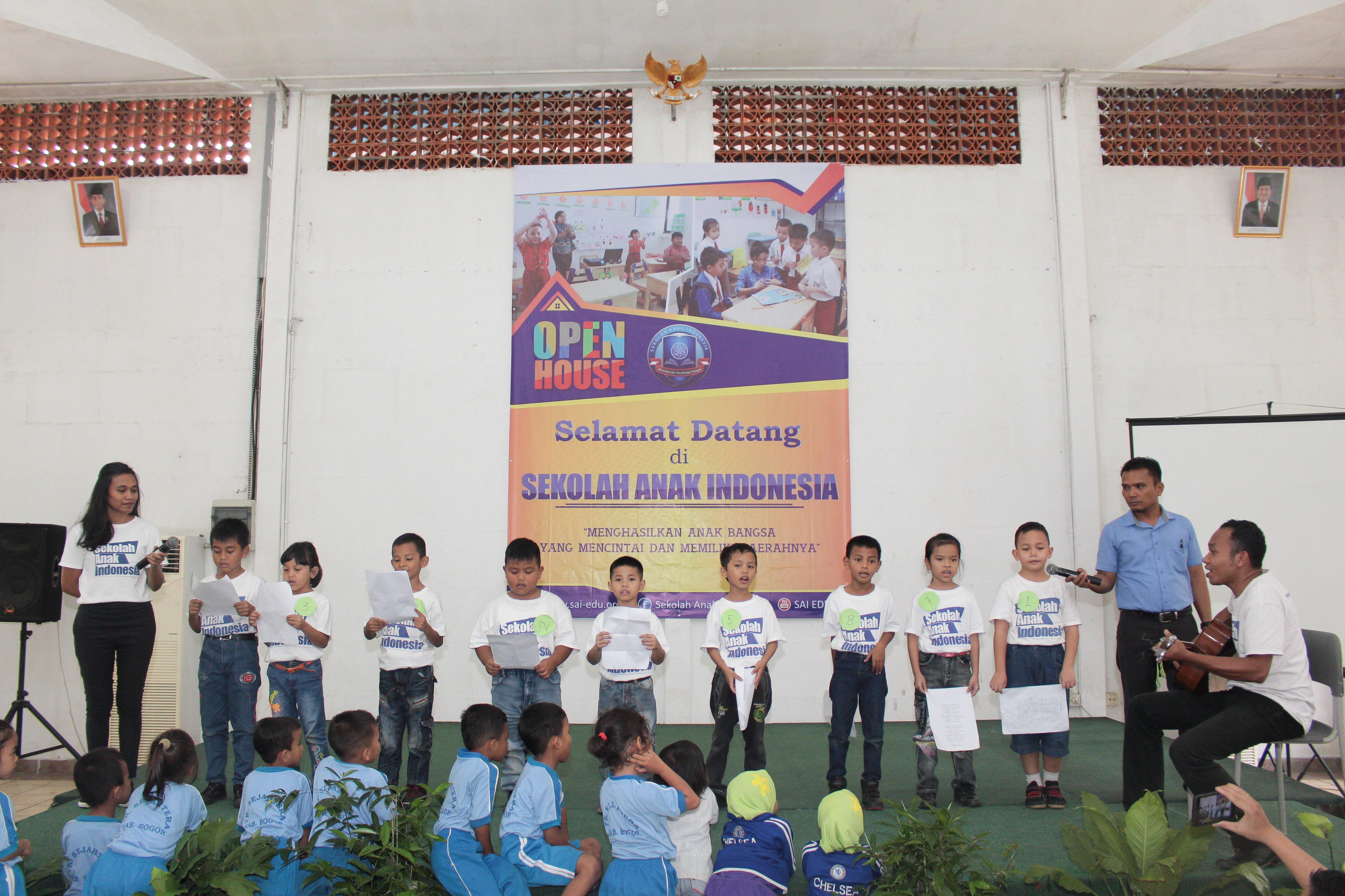 sekolah anak indoensia-sekolah Papua-lomba mewarnai-lomba menggambar_ sekolah papua di sentul-sekolah anak papua-sekolah hebat-pertunjunkan anak papua