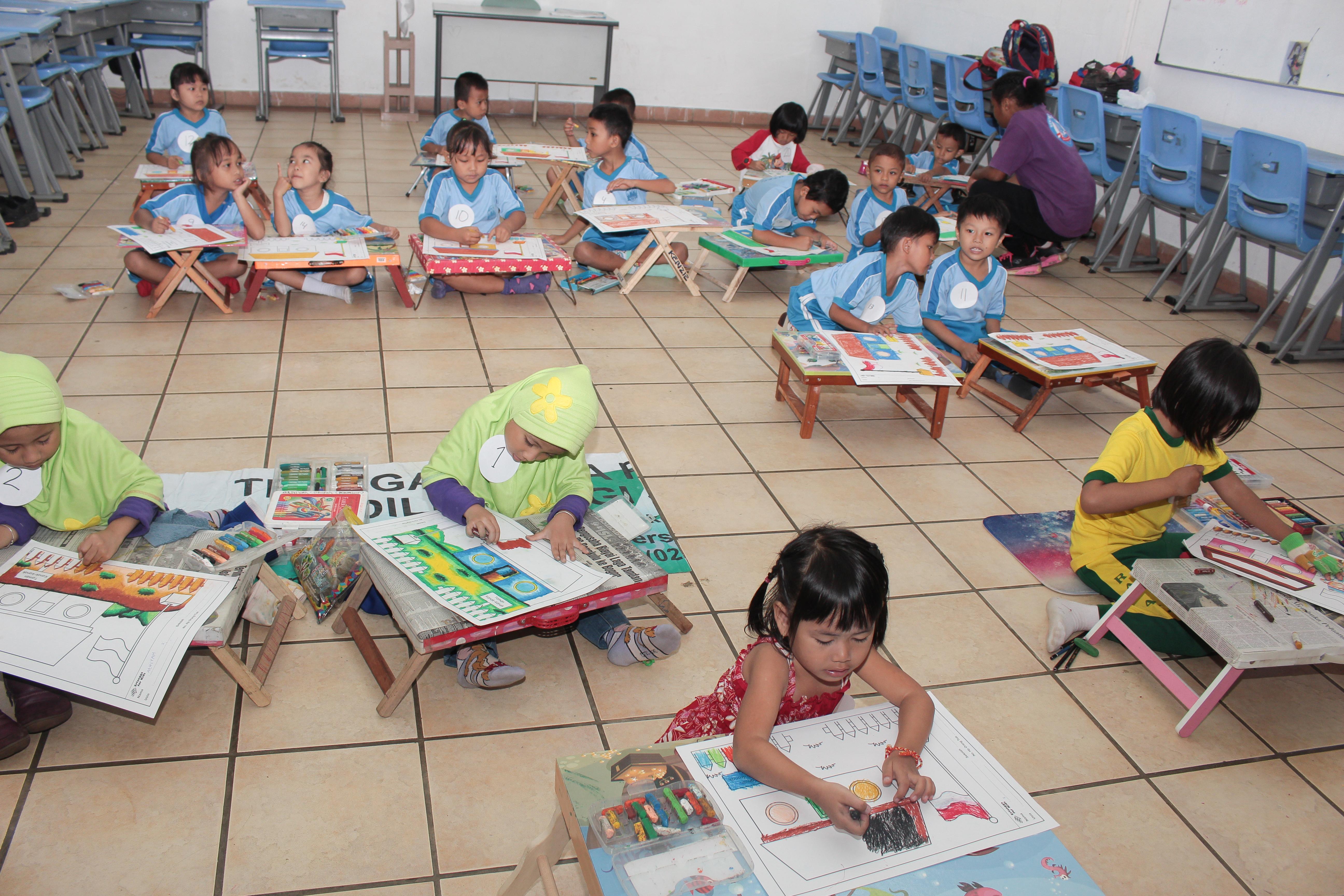 sekolah anak indoensia-sekolah Papua-lomba mewarnai-lomba menggambar_ sekolah papua di sentul-sekolah anak papua-sekolah hebat